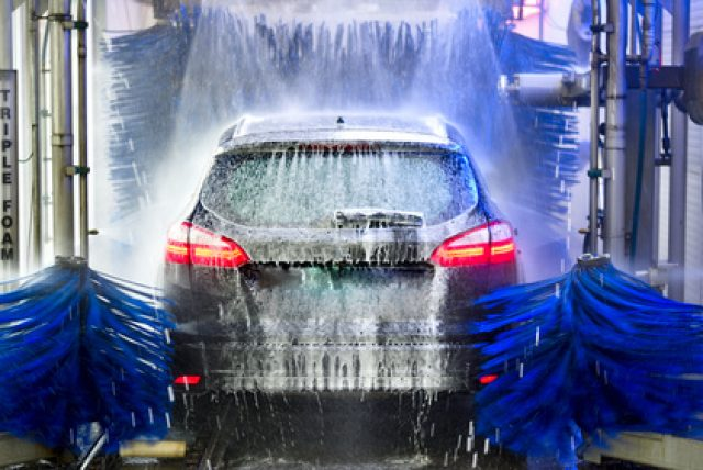 Stations de lavage auto: test comparatif des prix, performances et du service